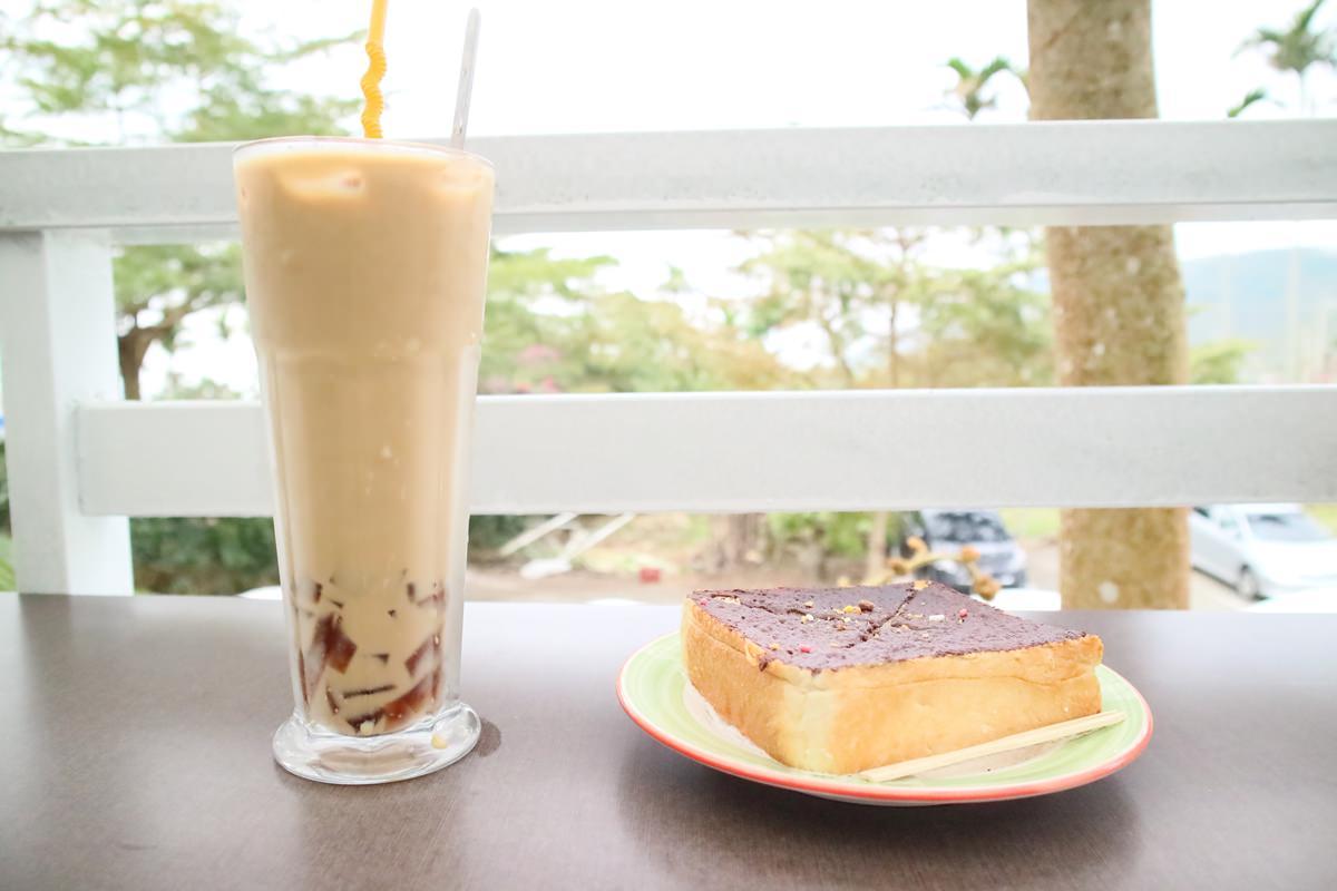 雲林古坑景觀餐廳 56號藍色公路咖啡 沒想到在華山也可以享受藍白希臘風的度假氛圍(文末優惠)
